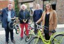 VELOKadee sluit overeenkomst met stad Aarschot en verhuurt kinderfietsen aan het station.